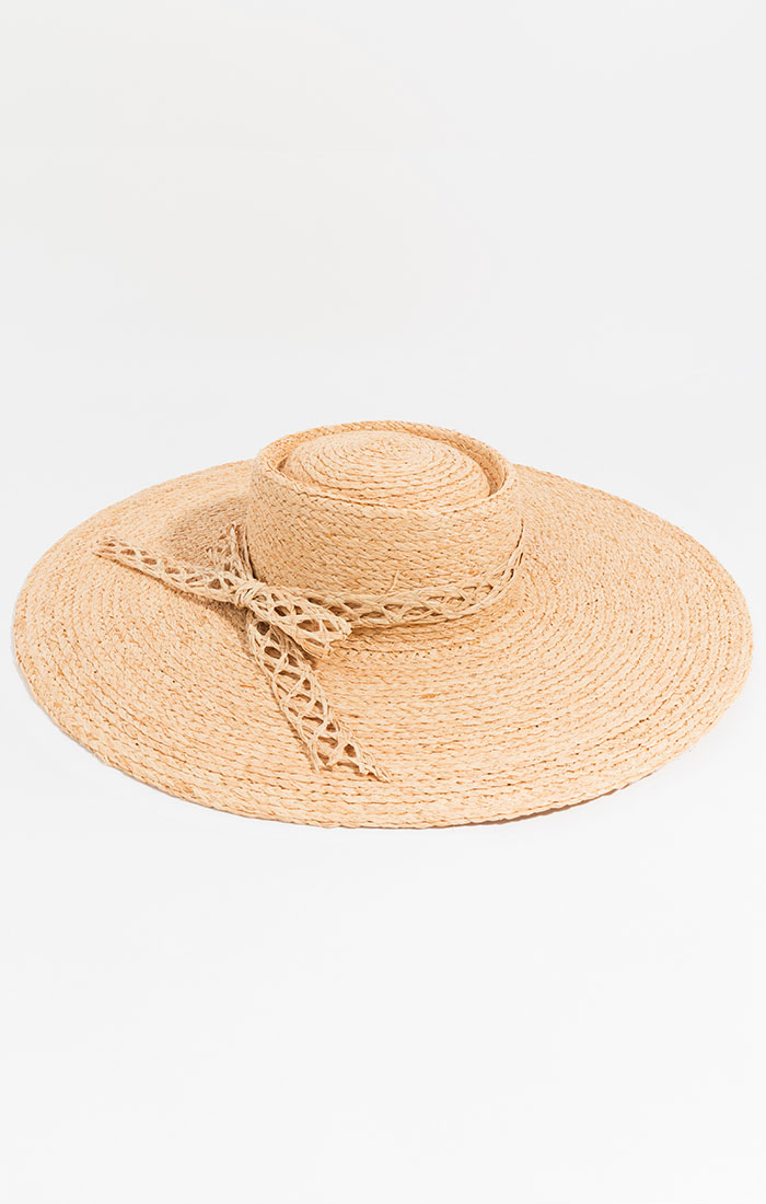 Paper straw hat with straw border